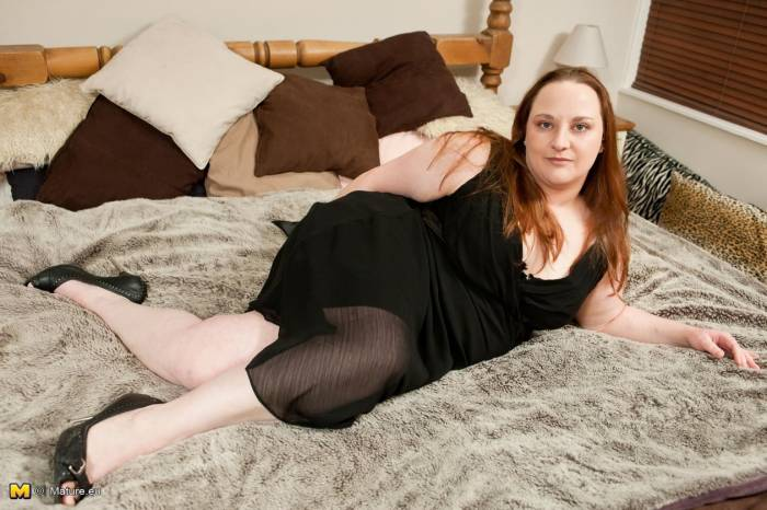 Fotos de gorda pelada mostrando a buceta carnuda