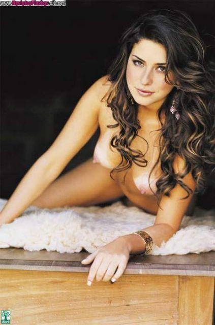 Fernanda Paes Leme nua na revista playboy em dezembro de 2005