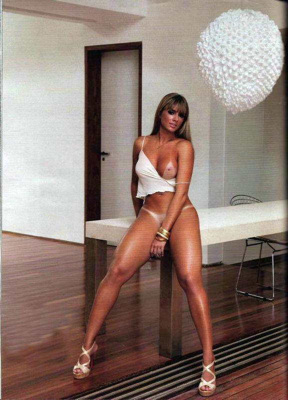 %t Juliana Salimeni pelada na revista playboy - Janeiro de 2010