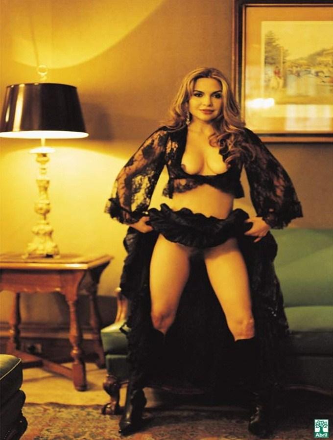 Luiza Tomé nua na revista Playboy em novembro de 2004