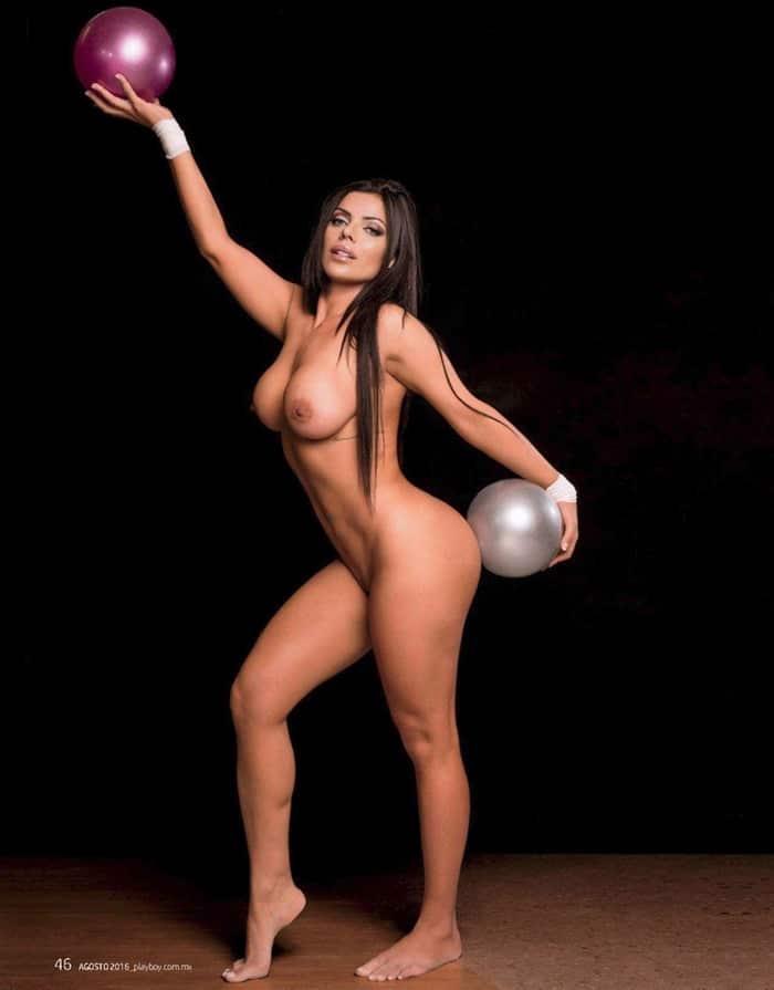 %t Suzy Cortez nua na revista Playboy