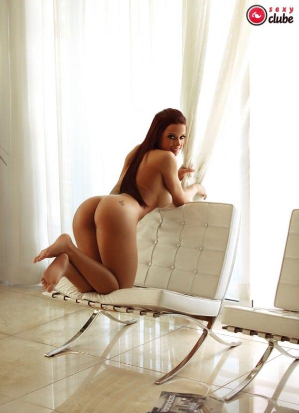 Victoria Villarim nua em ensaio sensual na Revista Sexy